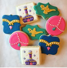 Shimmer and shines galletas cumple ini Aladdin Birthday Party, 6th Birthday Parties, Third Birthday, Birthday Ideas, Shimmer And Shine Cake, Arabian Party, Jasmine Party, Little Girl Birthday, Cookie Decorating