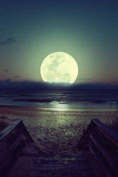 Luna y mar