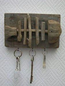 Decoración en madera para poner las llaves