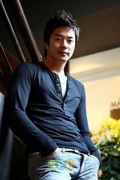 Kwon Sang Woo | 권상우 | D.O.B 5/8/1976 (Leo)