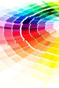 Le test des couleurs vous permet de définir celles qui vont vous mettre en valeur selon votre teint, la couleur de vos cheveux et de vos yeux. Vous serez conseillés également sur leurs associations et leurs significations. Chaque matin, il vous sera facile de choisir vos vêtements et d'associer les couleurs qui s'harmonisent entres elles. Cette prestation est une étape indispensable pour vos futures séances de maquillage et de style vestimentaire. Remise de votre fiche d'échantillons de ...
