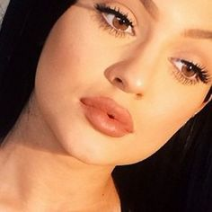 Proof That Kylie Jenner Really Hasn't Had Lip Surgery  -well applied makeup