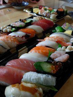 "blossomkitten: "" SUSHI (by Tetsuo Hayashi) "" Think Food, I Love Food, Good Food, Yummy Food, Sashimi, Mochi, Sushi Recipes, Asian Recipes, Healthy Recipes"