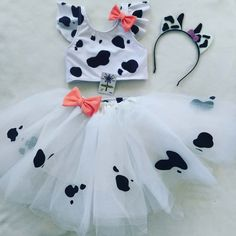 Ideas for lola cow party birthday decoration 2nd Birthday Party For Girl, Cowgirl Birthday, Farm Animal Birthday, Farm Birthday, Cow Baby Showers, Baby Shower Themes, Farm Party, Birthday Party Decorations, Craft Party