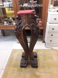 Kahverengi 1940'lar aslan ayak çiçeklik Modelleri ve Fiyatı – Dekopasaj Stool, Board, Furniture, Home Decor, Stools, Interior Design, Home Interior Design, Sign, Arredamento