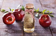 Apple Cider Vinegar has a wide rage of usage and is also used for skin care. Read more on apple cider vinegar for weight loss. Apple Cider Vinegar Toner, Apple Cider Vinegar Remedies, Red Vinegar, Apple Health Benefits, Apple Cider Benefits, Foot Remedies, Health Remedies, Vinegar Weight Loss, Natural Home Remedies