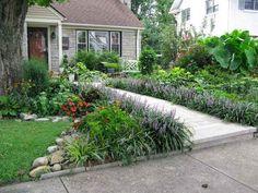 Front Yard and Garden Walkway Landscaping Inspirations 12 Landscaping Inspiration, Front Landscaping, Front Lawn, Walkway Landscaping, Garden Landscape Design, Outdoor Gardens, Sidewalk Landscaping, Urban Garden, Garden Design
