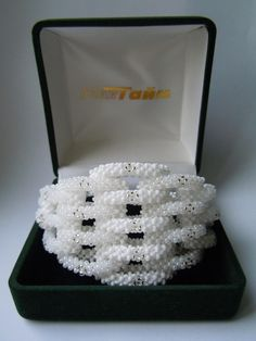Bracelet, square Stitch,