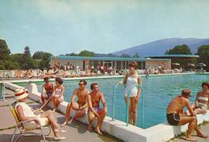 Hotel, Motel, Or Inn? Many options exist when booking travel accommodations, from shady motels to five star hotels on the strip. Catskill Resorts, Vintage Hotels, Retro Summer, Old Photography, Hotel Motel, Summer Aesthetic, Googie, Best Hotels, Old Photos