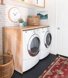 Best 20 Laundry Room Makeovers - Organization and Home Decor Laundry room decor Small laundry room organization Laundry closet ideas Laundry room storage Stackable washer dryer laundry room Small laundry room makeover A Budget Sink Load Clothes Modern Laundry Rooms, Laundry In Bathroom, Laundry Closet, Laundry Area, Laundry Tips, Garage Laundry, Laundry Drying, Laundry Room Countertop, Small Laundry Space
