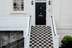 triky od designérů Black Front Doors, Black Door, Black And White Tiles, External Doors, Modern Garden Design, Trendy Home, Home Staging, Color Negra, Black House