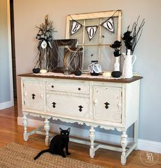Here's my Halloween Farmhouse Entryway for 2015 at The Painted Hinge! Come check out how I decorated my upcycled sideboard buffet for Halloween! Halloween Entryway, Farmhouse Halloween, Spooky Halloween Decorations, Diy Halloween, Halloween 2020, Halloween Mural, Country Halloween, Halloween Costumes, Halloween Magic