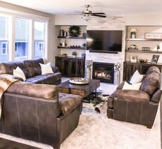 When homeowners invite guests and company into their home typically the first thing that visitors see is the living room, or family room, of the house. Unless there is a foyer before the living roo… Modern Farmhouse Living Room Decor, Rustic Farmhouse, Country Living, Family Room Design, My Living Room, Small Living, Brown And Gold Living Room, Living Room Layout With Fireplace And Tv, Living Room With Sectional