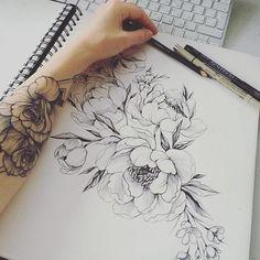 За работой )❤️🌸🌿🌿 #эскизтату #набросок #эскиз #роза #tattoo #tattoo2me #tattooart #tattoopins #tattooblack #tattooartist #tattoomoscow #tattsketches #tattooinrussia #blxckink #blacktattoo #rosetattoo #flowertattoo #womantattoo #graphictattoo #peonytattoo #womantattoo #ink #dark #anemon