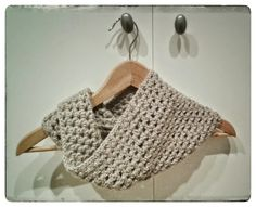 Chunky Double Crochet Cowl. Free Pattern http://www.allaboutami.com