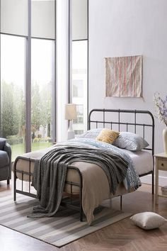 Beautiful modern bed frame Queen Size Platform Bed, Metal Platform Bed, Upholstered Platform Bed, Platform Beds, Headboard And Footboard, Reno, Queen Size Bedding, Cool Beds, Bed Sizes