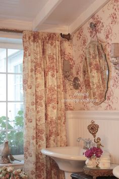 Floral cottage toile. Love curtains from remnants. (pinned from French Country Cottage)