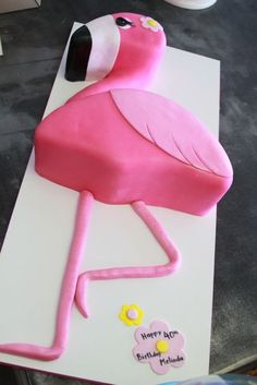 I love a flamingo me - this Flamingo cake is fabulous!