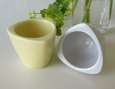Two Vintage Ceramic Triangular Egg Cups Pastel Gray and door Vantoen
