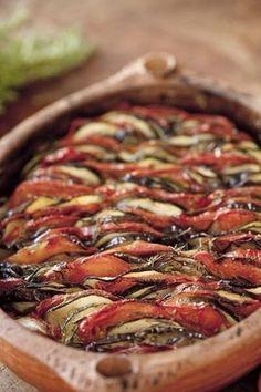 Tian à la provençale Possible de rajouter des lamelles de poivrons et rouge et de la Mozza ou du chèvre