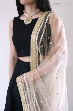 Unique Blouses, Sarees and Lenghas that embody the vibrancy of South Asian fashion with a modest up to date western flair. Punjabi Fashion, India Fashion, Bollywood Fashion, Asian Fashion, Indian Attire, Indian Wear, Pakistani Outfits, Indian Outfits, Desi Wear