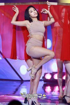 HD kpop pictures and gifs. South Korean Girls, Korean Girl Groups, Sistar Kpop, Yoon Bora, Kim Seol Hyun, Kim Tae Hee, Cute Rappers, Korean Birthday, Japanese Girl Group