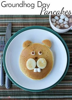 Celebrate the traditional American holiday with these Groundhog Day Pancakes. If he says 6 more weeks of winter, at least you had cute pancakes! Groundhog Day, Preschool Groundhog, Pancake Art, Breakfast For Kids, Breakfast Recipes, Brunch Recipes, Breakfast Ideas, Dessert Recipes, Apple Oatmeal