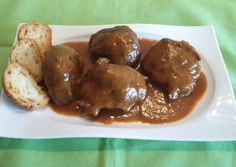 Baileys, Flan, Chicken Wings, Lasagna, Pickles, Great Recipes, Cucumber, Tapas, Food And Drink