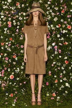 See the complete Gucci Resort 2013 collection.
