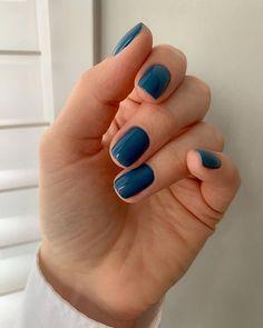 100 Trending summer nail colors and designs for 2021. / MÉLÒDÝ JACÒB Shellac Nail Colors, Toe Nail Color, Shellac Nails Fall, Stylish Nails, Trendy Nails, Nail Manicure, Toe Nails, Manicure Ideas, Nagellack Design