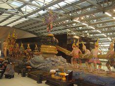 display at Bangkok Airport Bangkok, United Kingdom, Fair Grounds, The Unit, Display, Travel, Floor Space, Viajes, Billboard