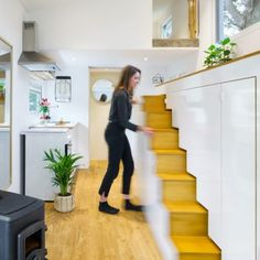 Tiny It Yourself :) *Photo: Mark den Hartog Tiny It Yourself :) *Pho. Tiny It Yourself :) *Photo: Mark den Hartog Tiny It Yourself :) *Pho. Tyni House, Tiny House Stairs, Tiny House Loft, Tiny House Storage, Tiny House Living, Tiny House Design, Small House Plans, Small Staircase, Tiny Loft