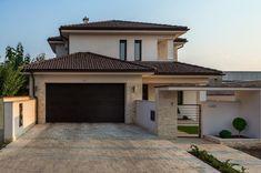 Le plus récent Pic mediterranean Style Architectural Stratégies Small House Design, Dream Home Design, Home Design Plans, Modern House Design, My House Plans, Family House Plans, Modern House Plans, Double Storey House, Beautiful Home Designs