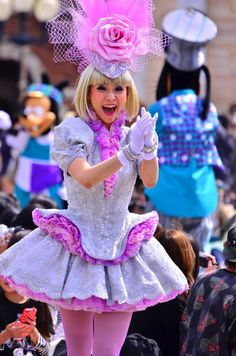 2014.04.01EIN ダンサー①|写真置き場25 Candy Costumes, Disney Costumes, Adult Costumes, Cosplay Costumes, Alice Cosplay, Disney Cosplay, Theme Park Outfits, Disney Cast, Female Dancers