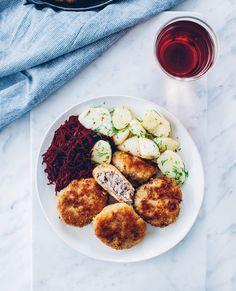 Domowe obiady według Ani Starmach. Sześć przepisów - Onet Gotowanie Ratatouille, Chicken Wings, Ethnic Recipes, Food, Dish, Essen, Meals, Yemek, Eten