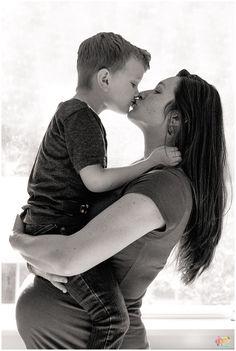 Maternity Photography with Siblings | Kirkland, WA Photographer