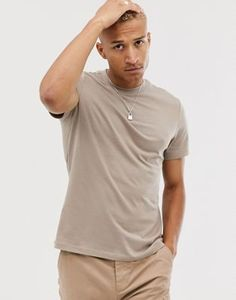 ASOS DESIGN organic t-shirt with crew neck in beige at ASOS. Beige T Shirts, Latest Trends, Asos, Crew Neck, Organic, Mens Tops, Shopping, Design, Fashion