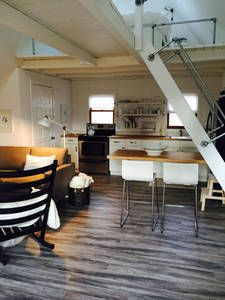 Check out this awesome listing on Airbnb: LOFTY in Hood River - Get $25 credit with Airbnb if you sign up with this link http://www.airbnb.com/c/groberts22