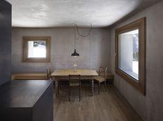 concrete and wood. marte-marte-mountain-cabin-laterns-designboom00
