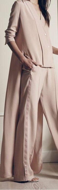Carlin Group: The Layering: A pure designer concept or a new way to dress? Womenswear Trend- SS2017 - トレンド(#609707)
