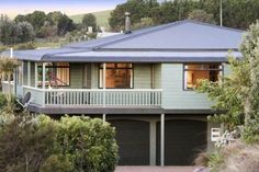 Gorgeous home by Waiheke's leading wedding venues in Oneroa, Waiheke Island | Bookabach  Very close to Cable Bay From $650 per night
