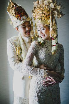 Pernikahan Adat Aceh dan Sunda ala Sylvia dan Nanda -