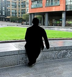 Alert: Freedom of Panorama Under Threat in Europe. Statue in a public square at Paddington Basin. Photograph from the Wikimedia Commons