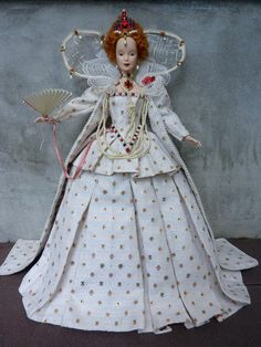 From the British Royal Family: Elizabeth 1 doll.