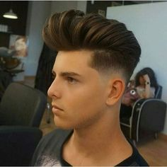 Cabelo Masculino Topete Pompadour Mens Hairstyles With Beard, Slick Hairstyles, Hairstyles Haircuts, Hot Hair Styles, Medium Hair Styles, Soldier Haircut, Best Fade Haircuts, Pompadour Hairstyle, Edgy Hair