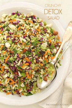 This beautiful looking salad recipe is not only delicious but also full of nutrients– loaded with broccoli, cauliflower, parsley, carrots, raisins, sunflower seeds and much more. Must check out!