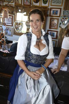 Katarina Witt, Curvy Women Outfits, Clothes For Women, Sexy Older Women, Sexy Women, Celebs, Celebrities, Female Athletes, Sexy Hot Girls