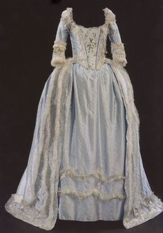 Marie Antoinette Gown - edited by mlleemilee 18th Century Dress, 18th Century Clothing, 18th Century Fashion, 1700s Dresses, Old Dresses, Vintage Gowns, Vintage Outfits, Vintage Clothing, Sophia Coppola