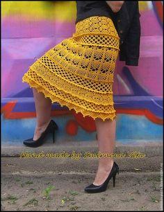 Pin em crochet, knit , tat, macrame etc Crochet Skirt Pattern, Crochet Ruffle, Black Crochet Dress, Crochet Skirts, Cotton Crochet, Knit Skirt, Crochet Clothes, Knit Crochet, Modern Crochet