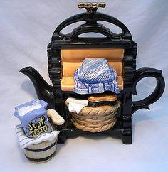most unusual teapots Teapots Unique, Tea Pot Set, Teapots And Cups, Tea Cozy, Tea Art, Vintage Bottles, Chocolate Pots, Tea Cup Saucer, Tea Time